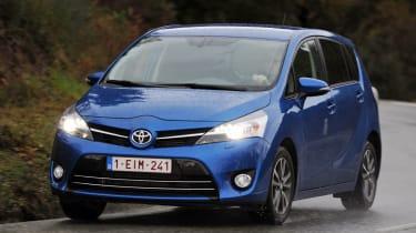Toyota Verso front cornering