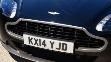 Aston Martin V8 Vantage N430 - grille