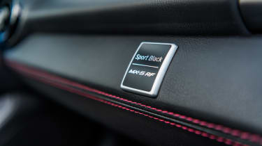 Mazda MX-5 RF Sport Black - badge