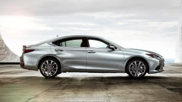 Lexus ES F-Sport - side