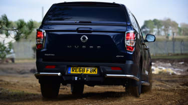 SsangYong Musso - rear off-road
