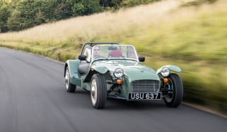 Caterham Seven Sprint - front tracking 2