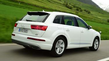 Audi Q7 - rear tracking