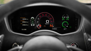 Mclaren 570s review - dials