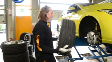 Summer tyre test 2021 - fitting