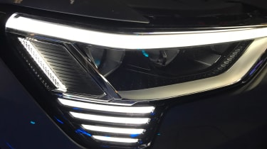Audi e-tron - reveal front light