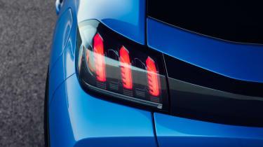 Peugeot e-208 - rear light