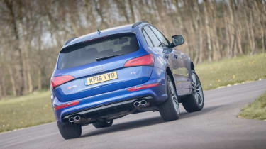 Audi SQ5 Plus 2016 - rear cornering