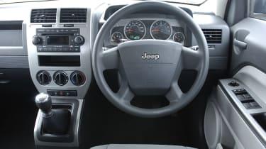 Jeep Patriot 2.0 Diesel Sport dashboard