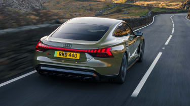 Audi RS e-tron GT - rear tracking
