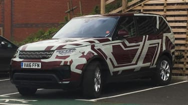 Land Rover Discovery 2017 red disguise