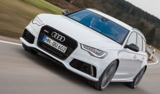 Audi RS6 Avant front tracking