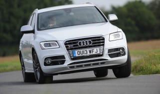Audi SQ5 action