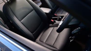 Kia Rio - front seat