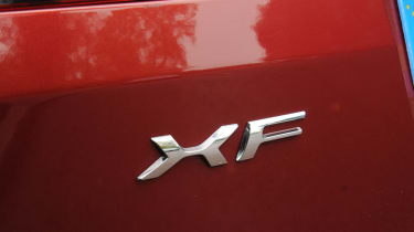 Jaguar XF Sportbrake 2.2 badge