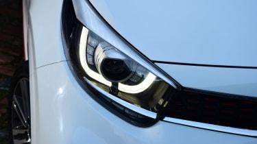 Kia Picanto - front light