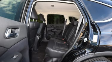 Honda CR-V Black Edition 2016 - rear seats