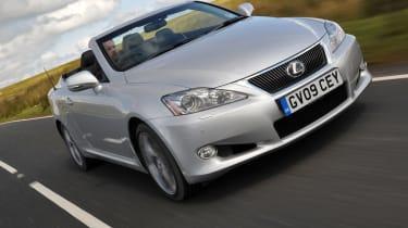 Lexus IS C front tracking
