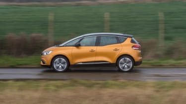 Renault Scenic - side