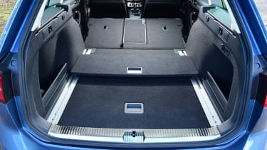 Volkswagen Passat Estate - boot seats down