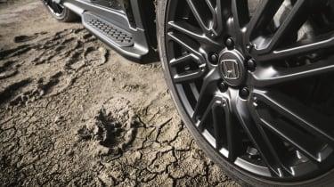 Honda HR-V Black Edition - wheel