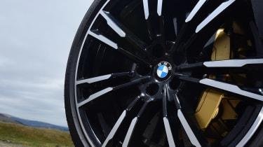 BMW M5 - wheel