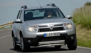 Dacia Duster front cornering