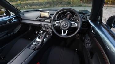 Mazda MX-5 - interior