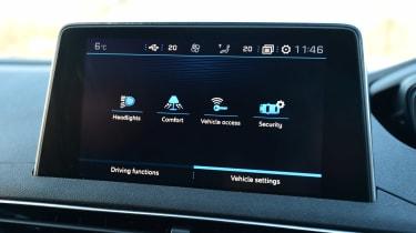 Peugeot 3008 - infotainment screen