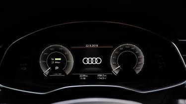 Audi A7 Sportback 55 TFSI e - dials detail