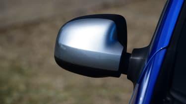Dacia Logan MCV Stepway - wing mirror
