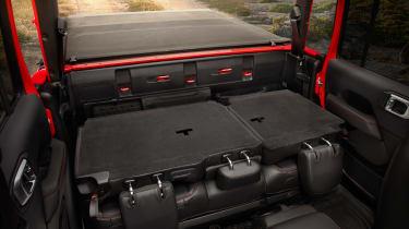 Jeep Gladiator - seats down