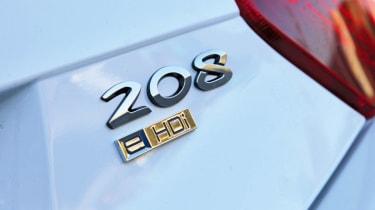 Peugeot 208 e-HDi badge