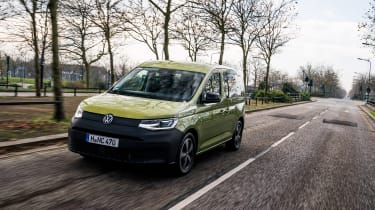 VW Caddy 2020 MPV - tracking