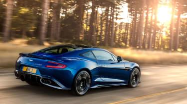 Aston Martin Vanquish S 2016 - rear tracking