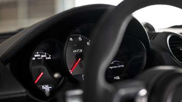 Porsche 718 Cayman GTS 4.0 - dials