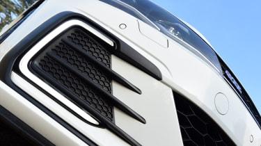 Volkswagen Golf GTE 2017 - bumper vents