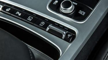 Kia Stinger 2.0 GT-Line - buttons
