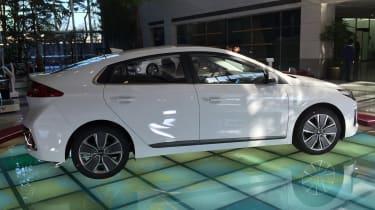 Hyundai Ioniq - Korea side profile 2