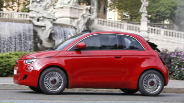 Fiat 500(RED) - side