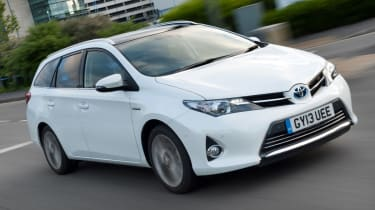 Toyota Auris Touring Sports front tracking