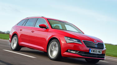 Skoda Superb Estate 280 4x4 2016 - front tracking