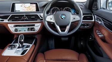 BMW 740Ld xDrive - dash