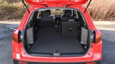 Peugeot 208 PureTech 110 rear action