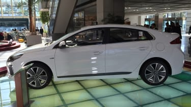 Hyundai Ioniq - Korea side profile 1