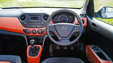 Hyundai i10 - interior