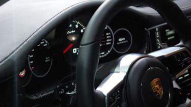 Porsche Panamera - studio dash