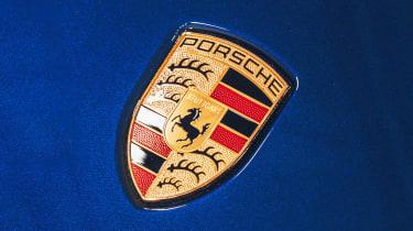 Porsche Taycan - Porsche badge