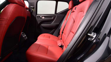 Volvo XC40 T3 - back seats