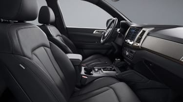 SsangYong Musso - front seats